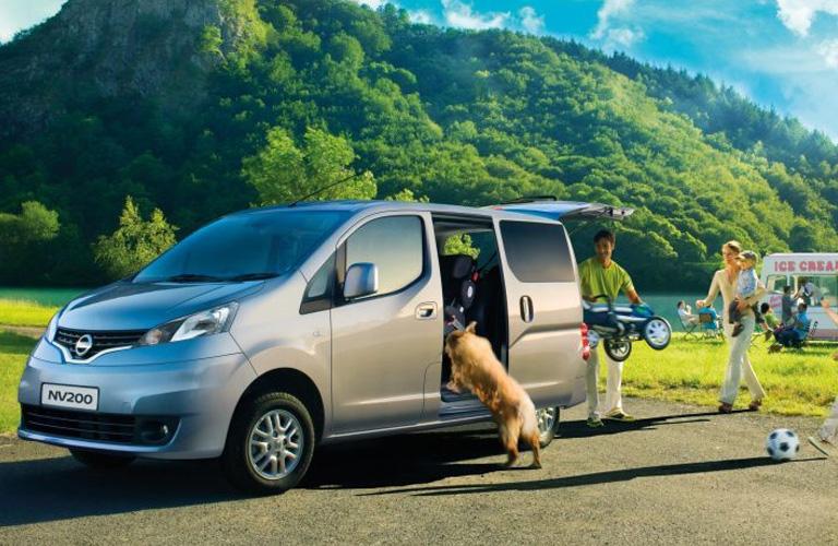 084cfc18de9b2c New Nissan NV200 Van Combi