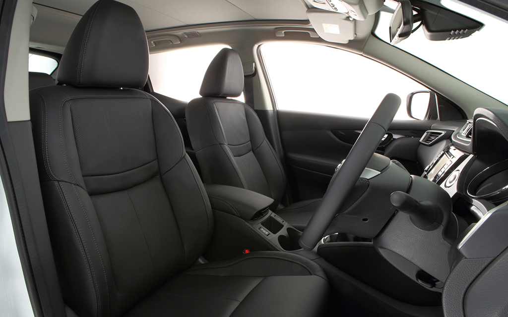 nissan qashqai from nil advance payment motability. Black Bedroom Furniture Sets. Home Design Ideas